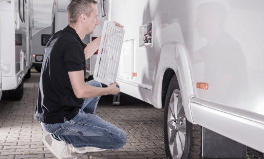 motorhomes-rv-technician-repair-travel-trailer-ref-ABP492D-min