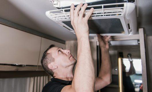 rv-appliances-technician-at-work-A5ADH77-min